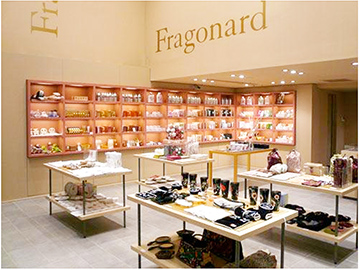 FRAGONARD ANOTHER IDEA OF A SOUVENIR SHOP