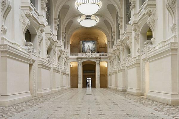 The Musée des Arts décoratifs : Exhibitions, restaurant, terrace